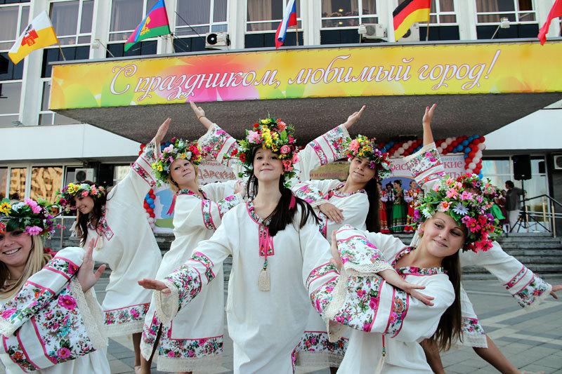 Все праздники в 2015 году украина