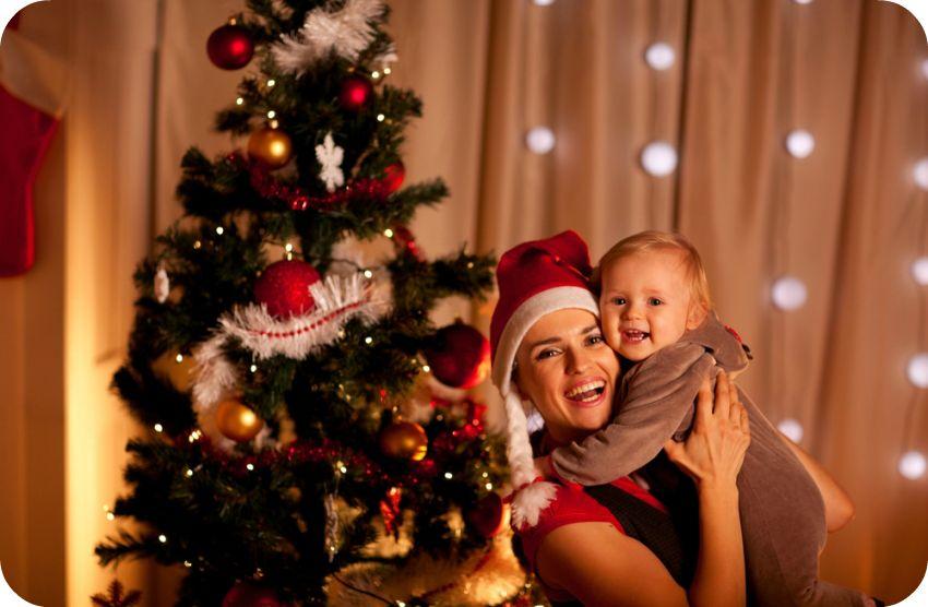 Новый год мы очень ждали елку с мамой