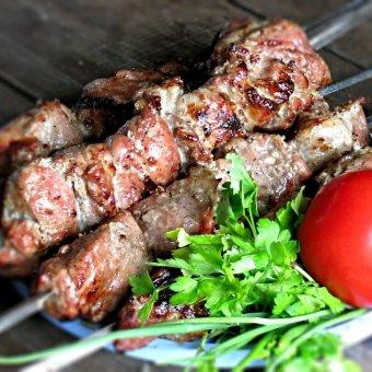 Как правильно готовить шашлык? Выбираем мясо и лучший рецепт маринада