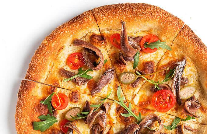 Пицца по-сицилийски с анчоусами