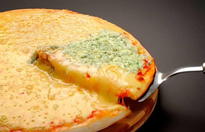 Пицца с сырным кремом