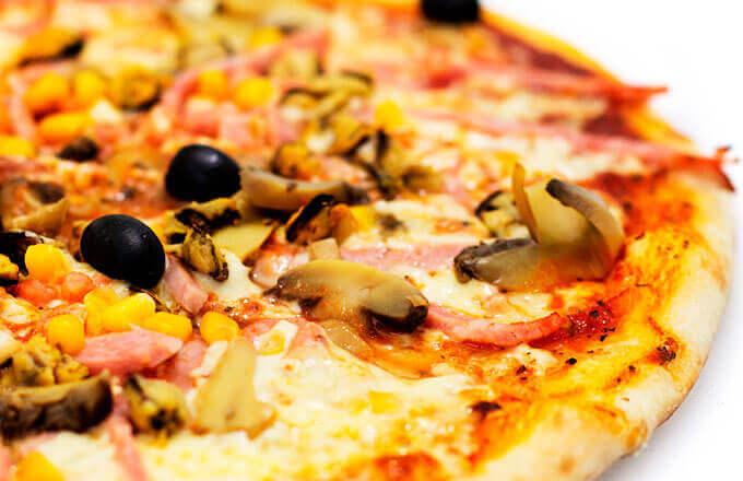 Пицца Капричоза с шампиньонами
